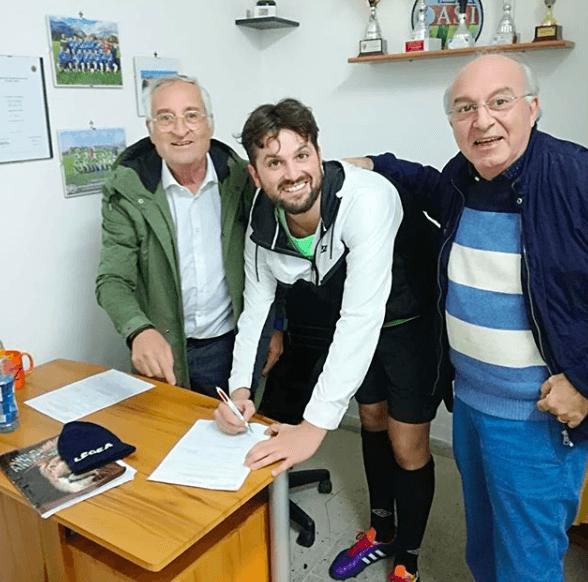 http://www.ultimecalciomercato.com/wp-content/uploads/2018/10/frank-matano-firma-col-carinola.png